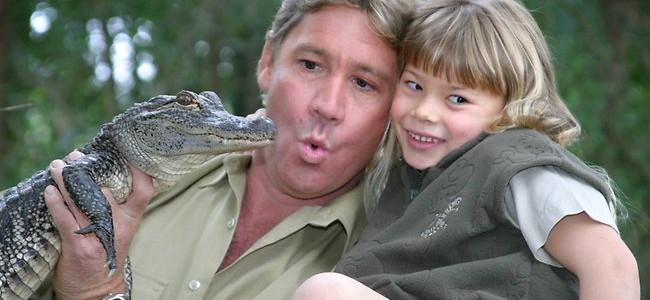 Így tartja életben édesapja örökségét a Krokodilvadász lánya