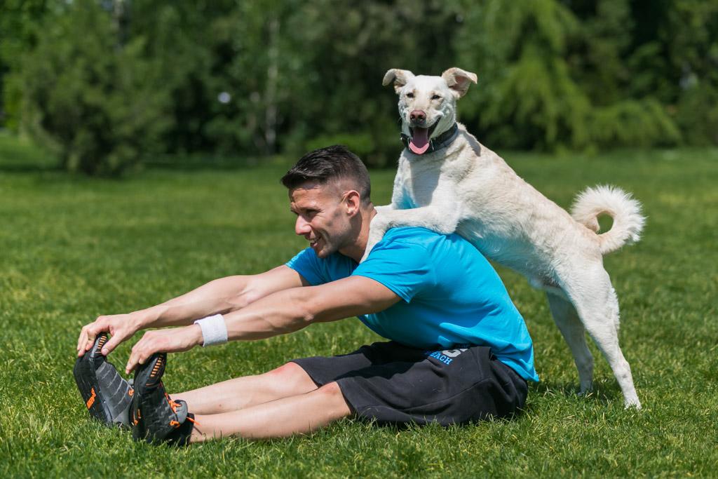 Légy fitt! – 6 gyakorlat, amit kutyusoddal együtt végezhetsz a szabadban