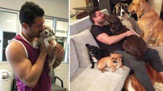 Ez a férfi képtelen abbahagyni a kutyusok örökbefogadását – Így telnek a mindennapjaik